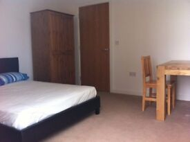 Room Available near Town with bills