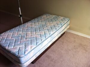 Electric TWIN BED.. ..REDUCED TO GO ....MAKE AN OFFER
