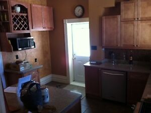 Rooms for rent in London - downtown heritage home London Ontario image 4