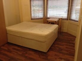 A ground floor studio flat to offer in a house. (Ref: 12115PRF3)