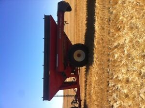 2013 Brent 882 Grain Cart