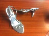 SILVER BEAUTIFUL LADIES SLING BACK SANDALS - SIZE 5 (38)