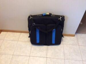 SUITCASE / Garment Bag