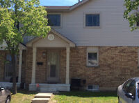 MOVE-IN READY 3 BEDROOM TOWNHOUSE!