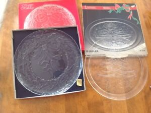 2 vintage Glass CHRISTMAS SERVING PLATES / PLATTERS