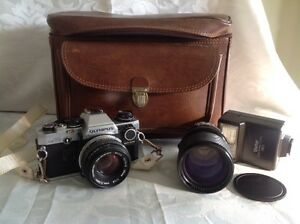 Olympus OM 10 35 MM Camera Sigma Lens Vivitar Flash & Case