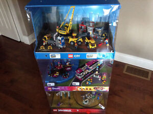 3 LEGO DISPLAYS