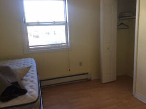 Beautiful 4 or 3bedroom flats close to Dal/hospital/KINGS