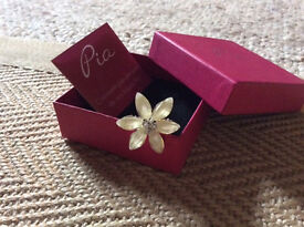 brand new, still in the box never used hair pin