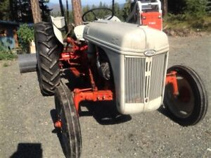 FORD 8N 1948 TRACTOR With Snow Blade and Chains!