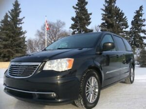 2014 Chrysler Town & Country, Stow 'N Go, LEATHER, $11,500