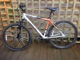 Mens mountain / off road bike - great condition