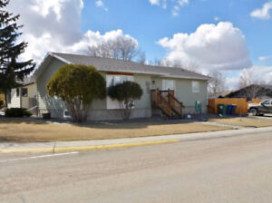 For Rent Or For Sale-Large Bunaglow Style House in Kindersley SK