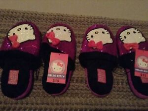 Brand New with Tags Hello Kitty Ladies Slippers size 5-6