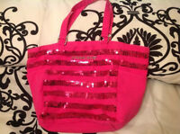 VICTORIA SECRET BAG ; VS SALE; LIKE NEW BAG TRAVEL BEACH BAG