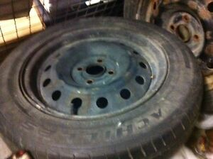rim avec pneu 185/65/15 rim with tire