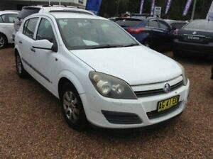 2005 Holden Astra AH MY05 CD White 4 Speed Automatic Hatchback