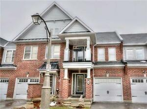 2 STOREY BEAUTIFUL TOWNHOUSE FOR SALE IN STOUFFVILLE