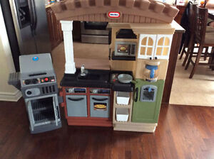 Little TIkes Grill Kitchen with BBQ