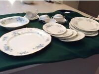 16 piece Antique Mayfair Bone China Dinner Set