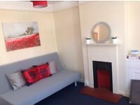 Stylish 2 bed apartment for short term/holiday let - min 2 night stay