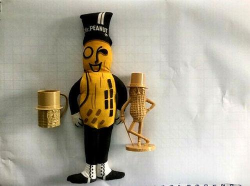 Mr Peanut plastic bank & cup & stuffed toy set