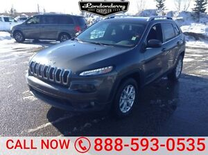 2016 Jeep Cherokee 4WD LATITUDE Accident Free,  Back-up Cam,  Bl