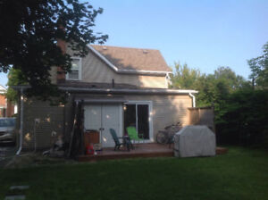 A ROOM IN THE HOUSE Belleville DOWNTOWN FOR RENT Oct.1st