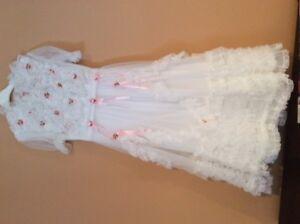 Robes de bouquetière grandeur 5 ans; pour événement spécial:
