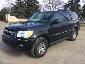 2005 Toyota Sequoia, LIMITED, 4X4, LEATHER, ROOF, DVD, $13,500
