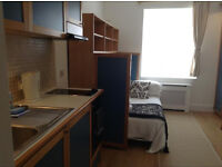 Hammersmith – Light and Airy Studio Flat *