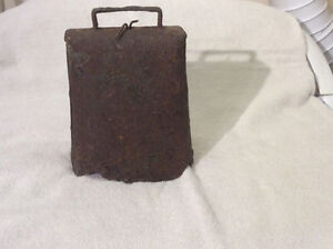 Rustic large antique primitive cowbell !