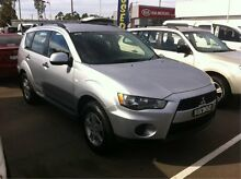 2010 Mitsubishi Outlander ZH MY11 LS Silver 6 Speed Constant Variable Wagon Cardiff Lake Macquarie Area Preview