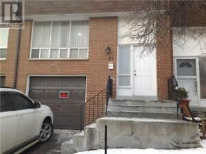 Laminate Floor,4+1Beds,3Baths,7475 GOREWAY DR, Mississauga,