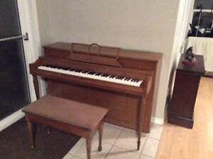Free Acoustic Spinet Piano and Bench