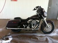 2006 streetglide with lots of extras
