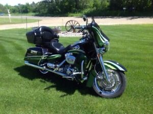 2006 Harley Ultra Classic CVO to trade for motorhome