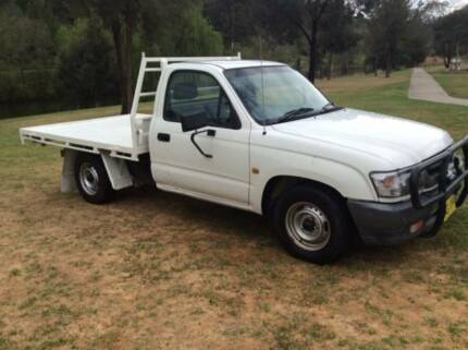 Toyota Hilux 4X2 Work Mate Table Top Yass Yass Valley Preview