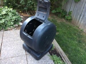 clean rotating garden composter      (email-jasele@cogeco.ca)
