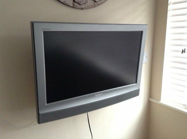 sony tv bracket. sony tv 26 inch flat screen with remote and wall bracket tv t