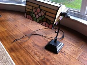 TIFFANY  STAINED GLASS BANKERS DESK STUDY LAMP