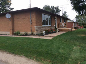 ANCASTER - OPEN HOUSE - Sat. & Sun. 2 to 4PM - Newly Renovated!
