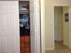 Looking for a roomate. Room for Rent starting.....now! Belleville Belleville Area image 3