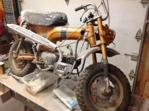 Honda trail CT70 gold to be restore - à restorer