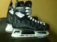 MEN'S CCM ICE SKATES (SIZE 12) with blade guards