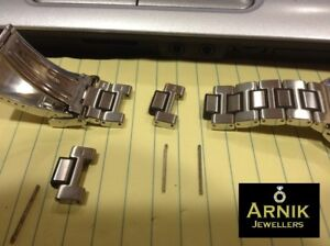 Watch battery replacement for any watch brand