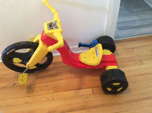 tres beau tricycle big wheel en tres bon etat pour enfant