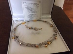 Silver and Gold Necklace and Pierced Earrings Oakville / Halton Region Toronto (GTA) image 2