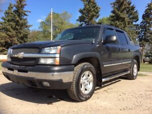 2004 Chevrolet Avalanche, Z71-PKG, AUTO, 4X4, LOADED, ROOF!