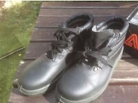 AIMONT SUPERBEQUEM SAFETY BOOTS~STEEL TOE -SIZE 5/EU 38 or 6/EU 39